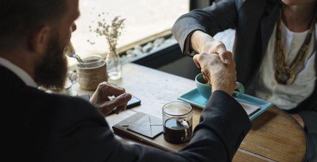 Wie führe ich die erste Gehaltsverhandlung?